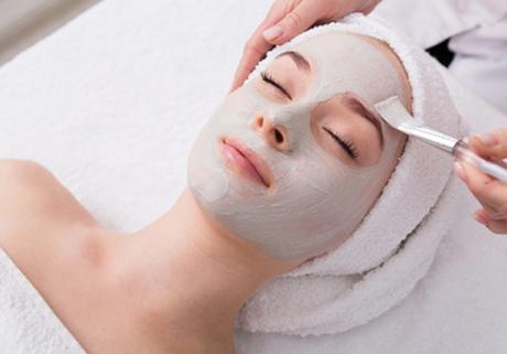 Gesichtspflege Anwendung Maske